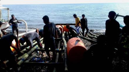 Lestarikan Laut Tejakula, KUB Segara Mekar Tanam Rumput Dalam
